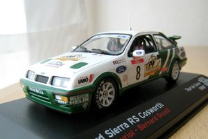 Ford sierra RS cosworth 01 -Ixo-
