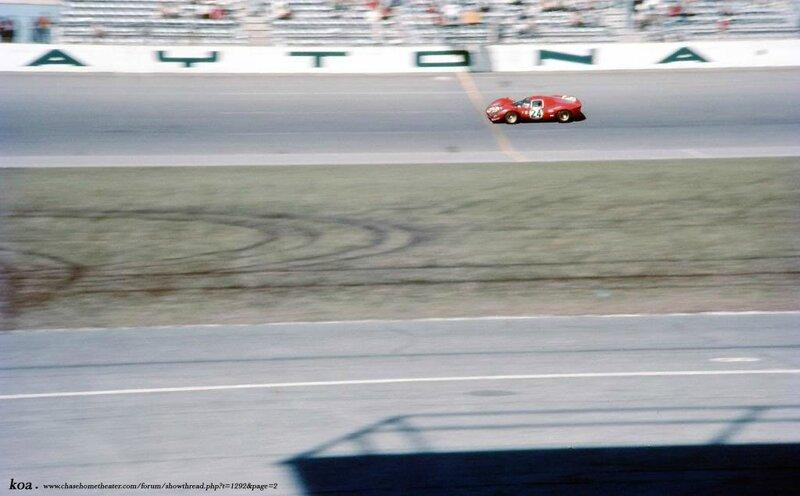 1967-Daytona-330 P 4-Scarfiotti_Parkes-24