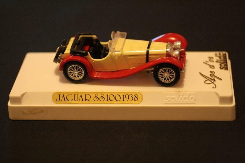 4002_Jaguar SS 100_01