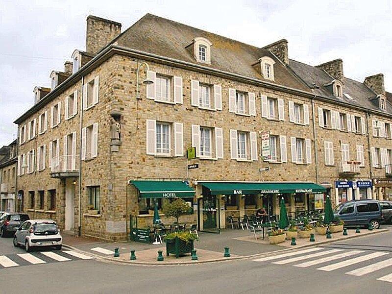 Hotel-de-la-Place---Aunay-sur-Odon-800X600