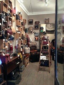 Vintage mais pas Bling-Bling , mon adresse confidentielle: le Cabinet de Curieuse Idée à la Gallery, 50 rue de Lille