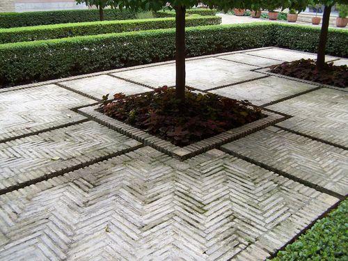 Saragosse-aljaferia-irrigation cour de Ste Isabelle