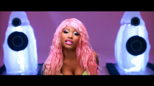 2011-vevo-Nicki-Minaj-Super-Bass-music-video-1024x576