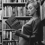 marilyn_monroes_bookshelf