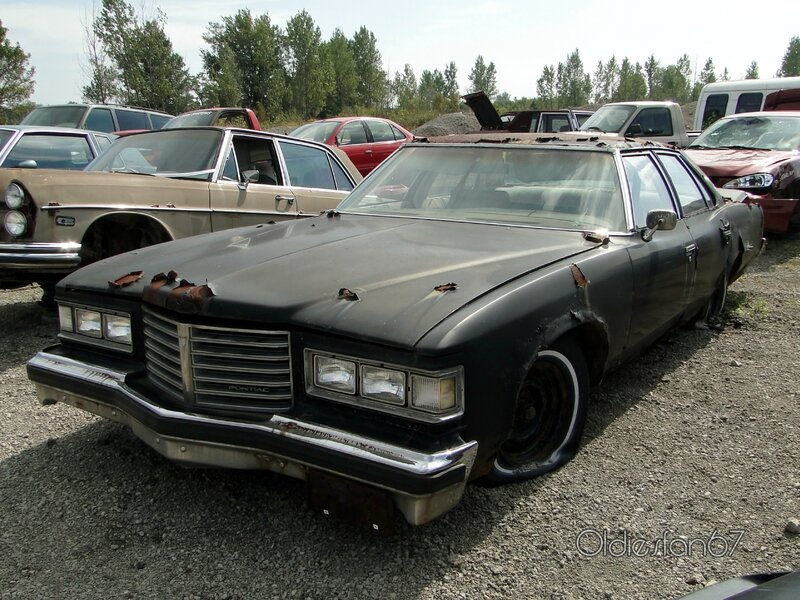 pontiac-catalina-sedan-1976-01