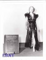 1951-04-05-LoveNest-test_costume-renie-mm-060-2