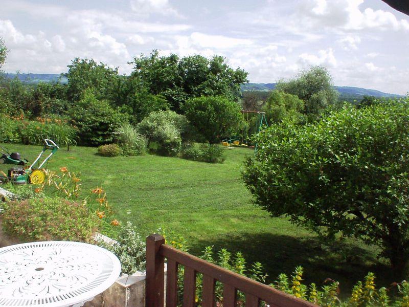 Vue sur le jardin depuis la terrasse du Savagnin (115)