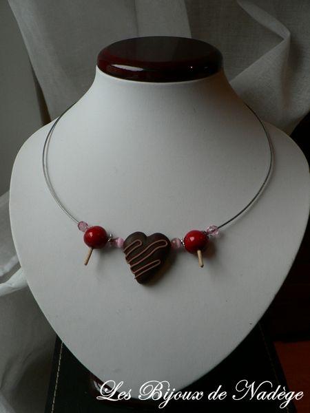 collier de saint valentin coeurs en chocolat et pommes d 39 amour les bijoux de nad ge. Black Bedroom Furniture Sets. Home Design Ideas