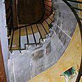 Accès au chambre par un escalier en pierre de Volvic