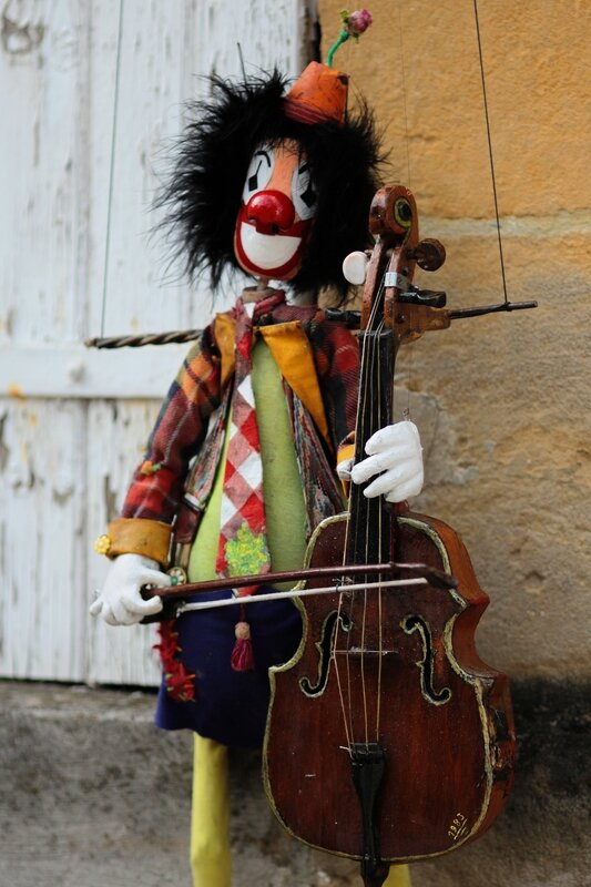 Clown violoncelliste 2