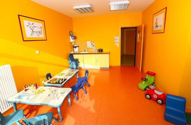 avec l accueil parents enfants le petit prince grandit et la maison de la petite enfance s. Black Bedroom Furniture Sets. Home Design Ideas