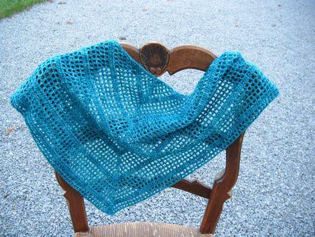 châle crochet bleu 002