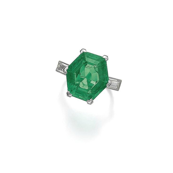 Emerald and diamond ring, monture Cartier