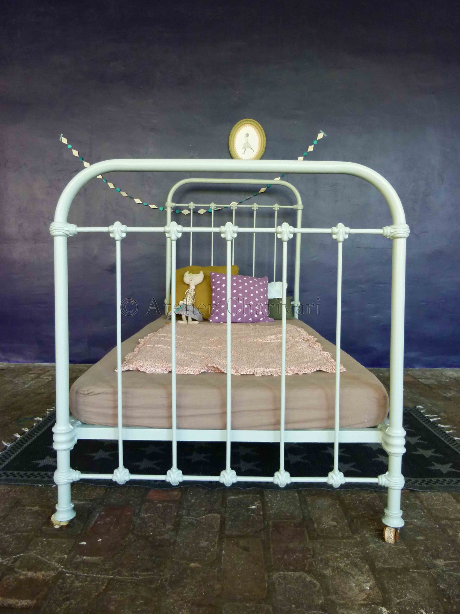 lit fer forge enfant. Black Bedroom Furniture Sets. Home Design Ideas