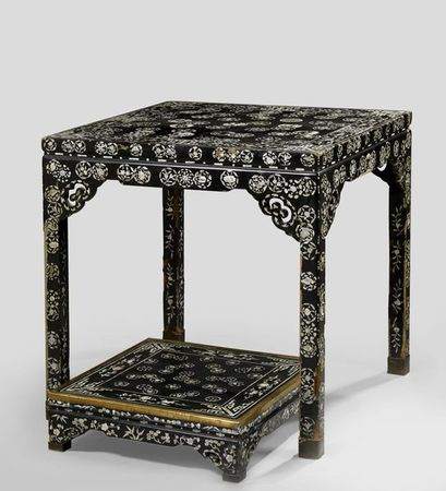 table haute carr e aux huit immortels baxian zhuo et son repose pieds chine dynastie qing. Black Bedroom Furniture Sets. Home Design Ideas