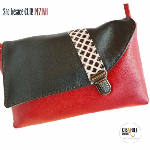 Sac besace cuir de créateur original cuir vert foncé, rouge profond et fantaisie à poils carreaux rabat asymétrique , fermoir vieilli décalé Collection : PEZIAH Maroquinerie artisanale made in France Stéphanie ERLICH-MAUJEAN
