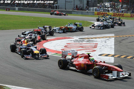 2011_Monza_F150__Italia_Massa_1_1er_virage