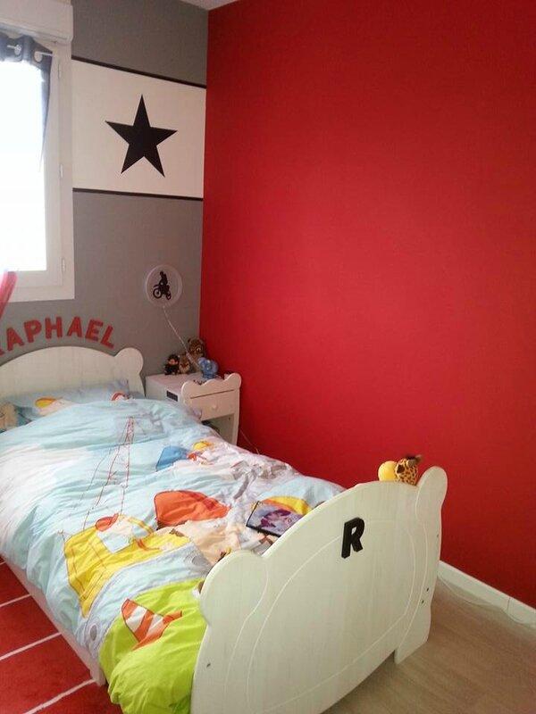 chambre de raphael le petit monde de maman poule. Black Bedroom Furniture Sets. Home Design Ideas