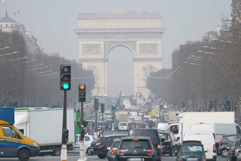 2048x1536-fit_illustration-pollution-paris-18-mars-2015