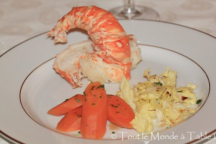 Langouste au court bouillon tout le monde table for Cuisine queue de langouste