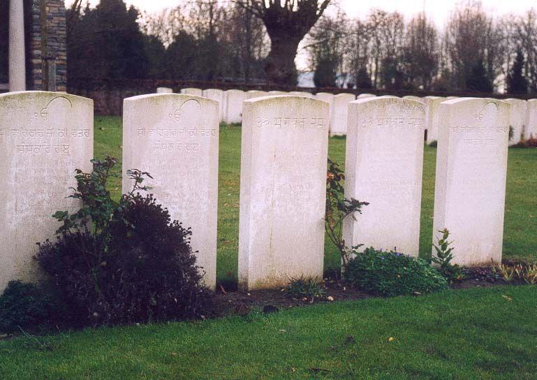 Carré militaire Indien au Pont du Hem Britisch cemetery La Gorgue (59)