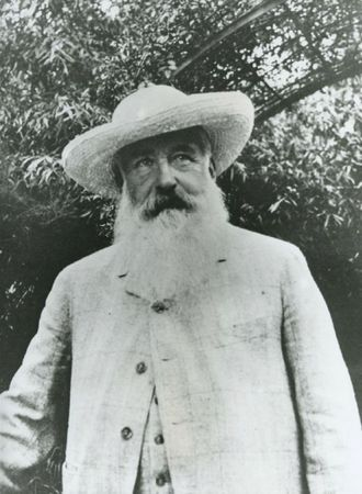 Monet-dans-son-jardin-photographie-par-sacha-guitry-v-1913