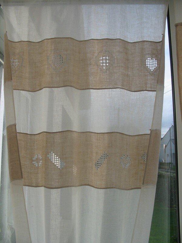 rideau en hardanger photo de du blanc du beige. Black Bedroom Furniture Sets. Home Design Ideas