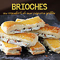 Brioches au roquefort et aux pignons grills