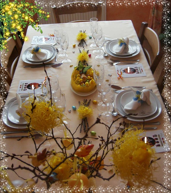 table de p ques photo de art de la table recettes et d coration. Black Bedroom Furniture Sets. Home Design Ideas