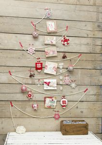 wall-christmas-tree-ideas-15