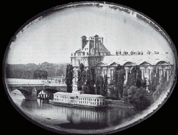 le Louvre photo 1840