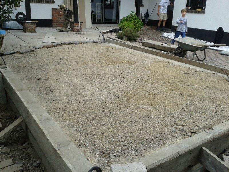 terrasse ext rieure transformation d 39 une grange en. Black Bedroom Furniture Sets. Home Design Ideas