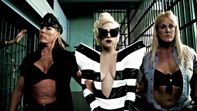 Lady_Gaga-Telephone_0013
