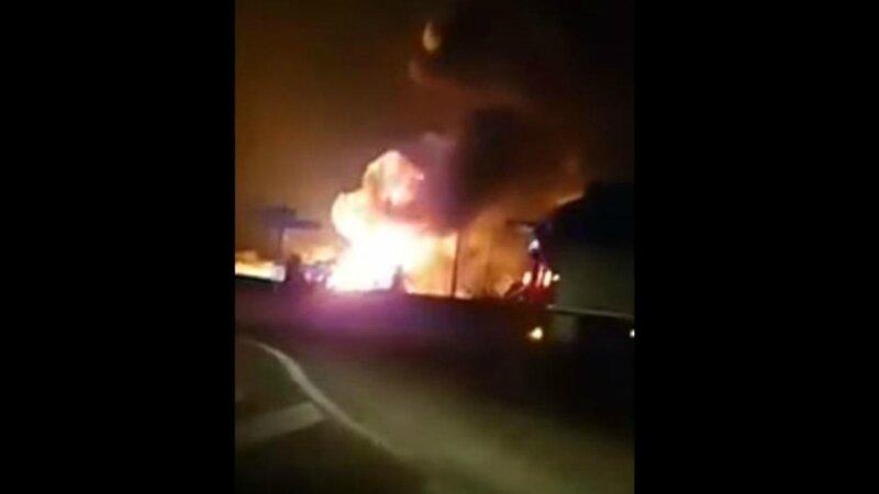 explosion-3_5802477