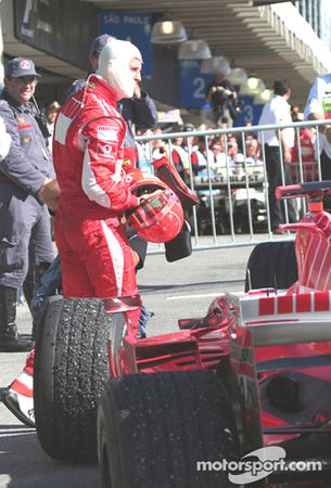 2006_Interlagos_248_F1_Schumacher_c_est_fini