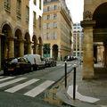 Pittoresque rue des Colonnes.