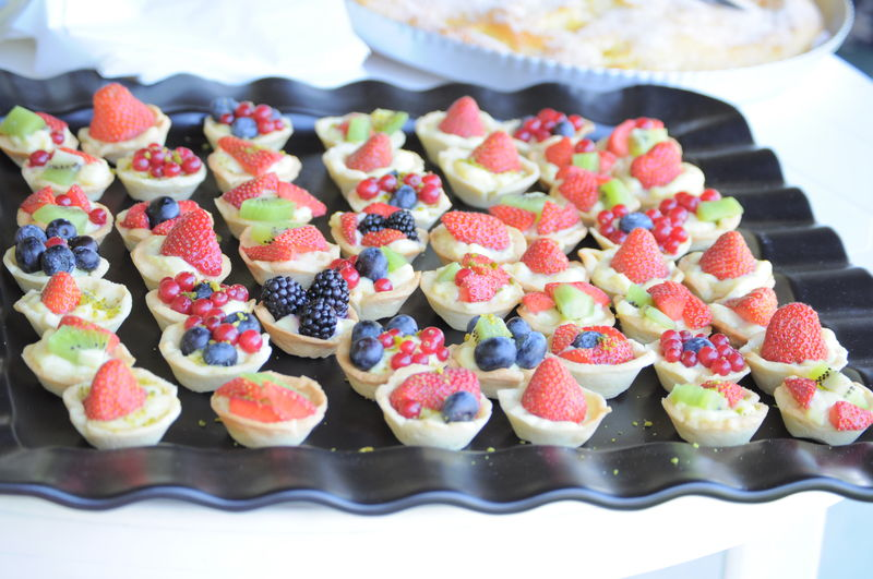 mini tartelettes au fruits pour brunch au soleil chez lolie. Black Bedroom Furniture Sets. Home Design Ideas