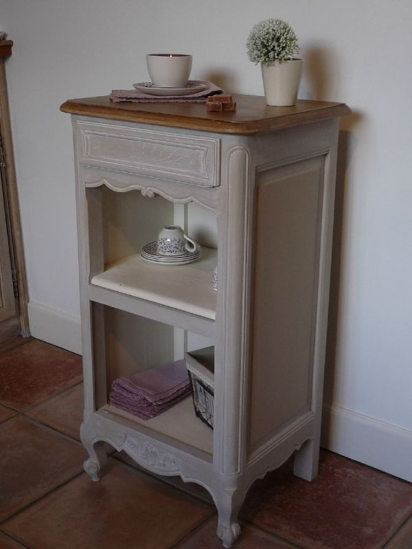 Ancienne table de chevet gris lapin - Customiser un miroir ancien ...