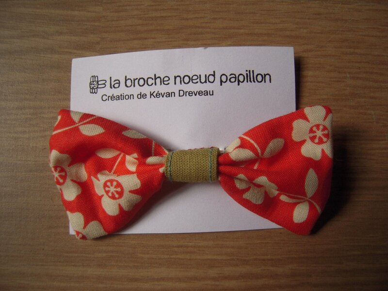 Broche noeud 3