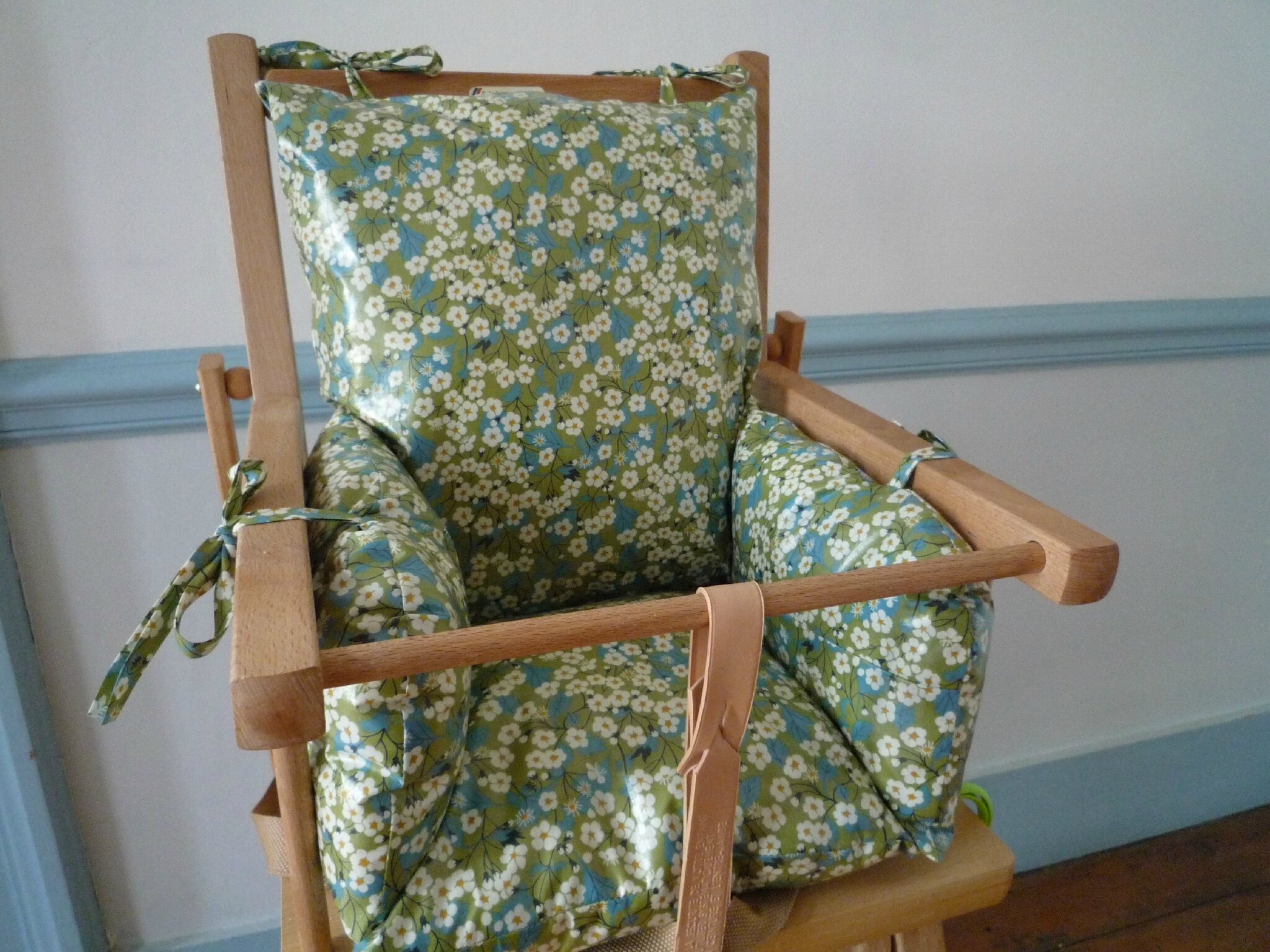 Coussin de chaise haute urbanit s for Coussin de chaise haute