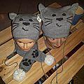 Bonnets Bébé chat et sa maman avec l'écharpe