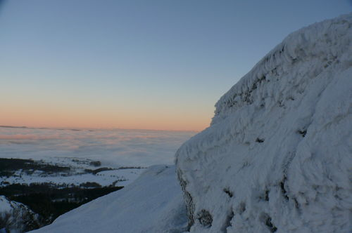 2008 12 24 Le givre au Lizieux et la mer de nuages derrière