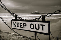 keep_out_2