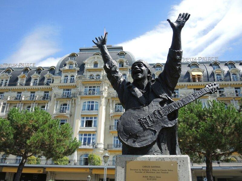 Montreux, statue de Santana (Suisse)