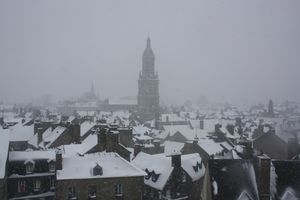 Avranches toits basilique Saint-Gervais neige 12 mars 2013