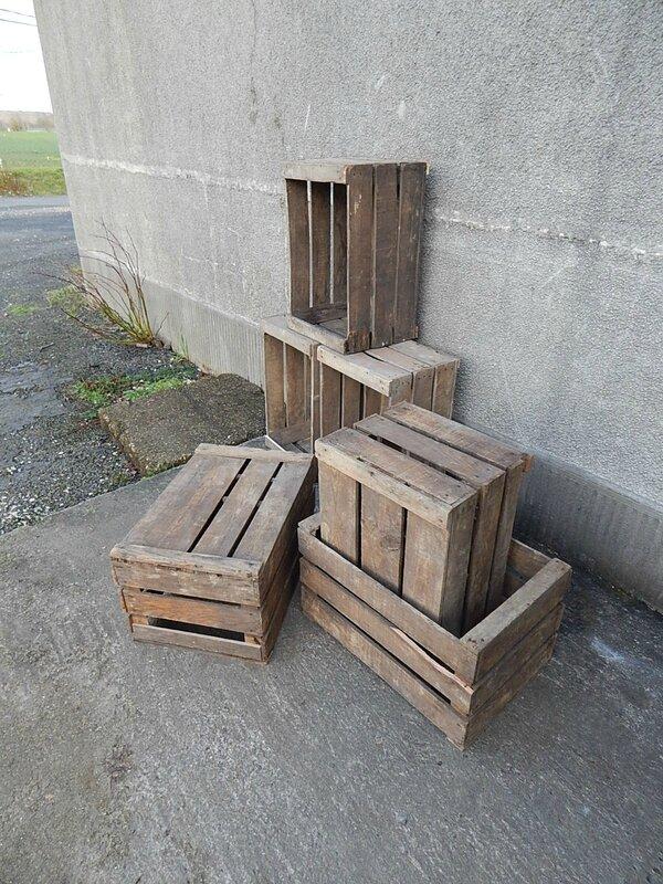 caisses pommes la petite brocanteuse. Black Bedroom Furniture Sets. Home Design Ideas