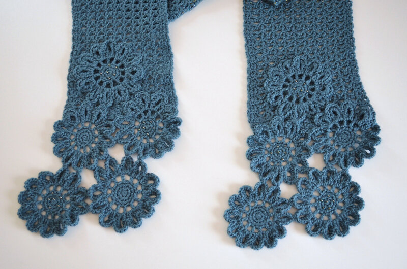 Echarpe fleurs bleues-crochet-La chouette bricole (9)