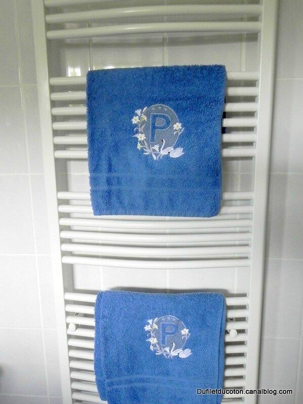 Serviettes Cygne bleu radiateur