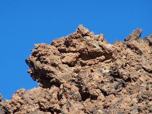 Le Teide-bloc de roche dans le cratère inférieur