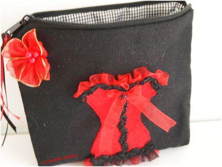 trousse rouge et noir ouverte lacaudry creation